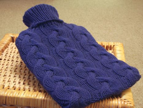 Cable hot water bottle cover