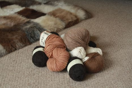 Cluster of natural yarns