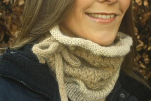 Click here to purchase the knitting pattern for the Honeycomb Cowl and Hat.