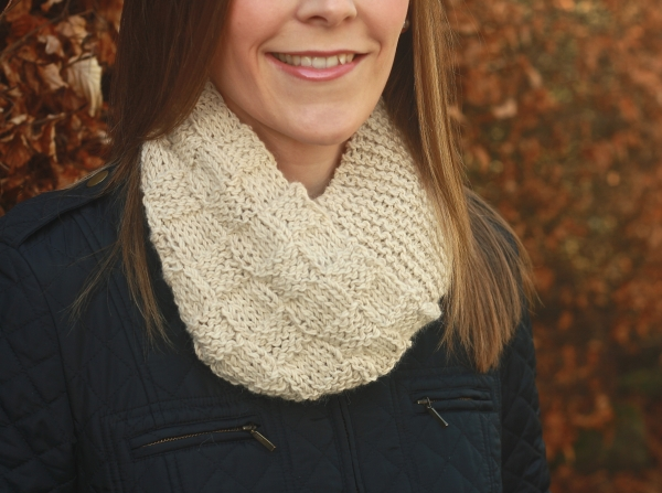 Click here to purchase the knitting pattern for the Corrie Infinity Scarf.