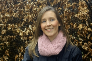 Click here to purchase the knitting pattern for the Islay Infinity Scarf.