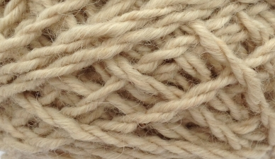 Click here to purchase Luxury Scottish CHUNKY Alpaca Yarn in Cream.